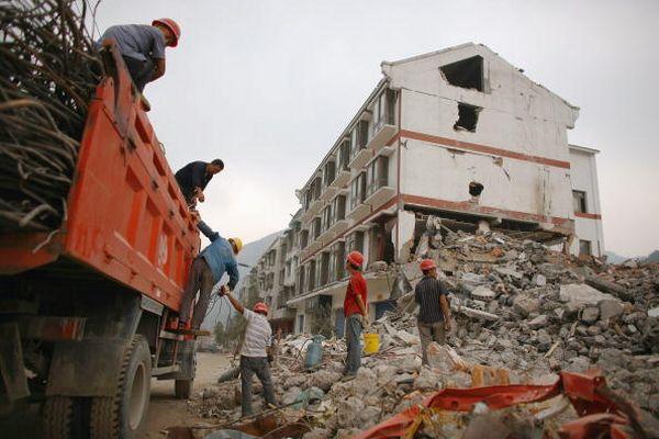 Город Шифан провинции Сычуань после землетрясения. Фото: Andrew Wong/Getty Images