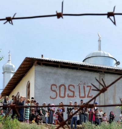 Кількість загиблих внаслідок міжетнічних сутичок у Киргизстані зросла до 117 осіб. Фото: VICTOR DRACHEV/AFP/Getty Images