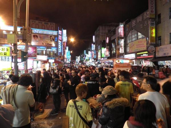 Нічне життя в Тайбеї. Фото: Владо Ботка