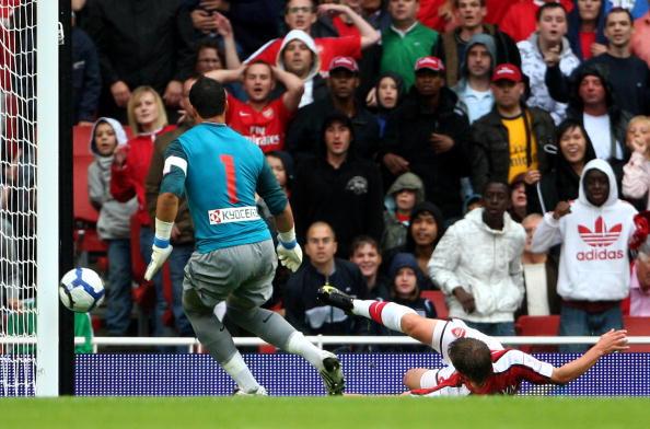 Аршавин /Арсенал - Атлетико 2:1 Phil Cole/Getty Images Sport