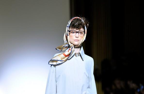 Модні шарфи. Фото: Gareth Cattermole/Getty Images