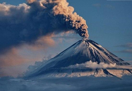 Фото: Виверження Ключевського вулкана/www.kamtravel.abdesign.ru