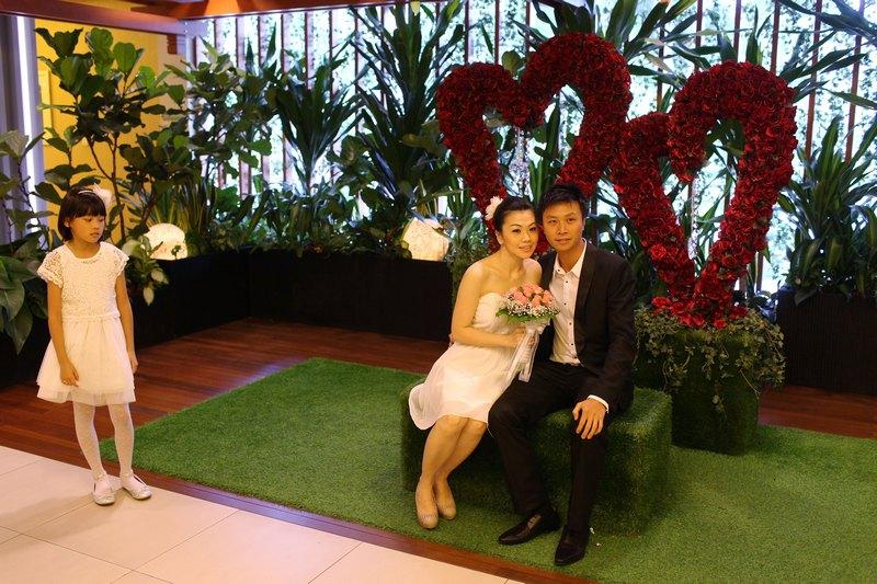Сінгапур, 12грудня. «Щасливий день» 12.12.12викликав хвилю одружень по всьому світу. В Сінгапурі створити сім'ї вирішили близько 500пар. Фото: Chris McGrath/Getty Images