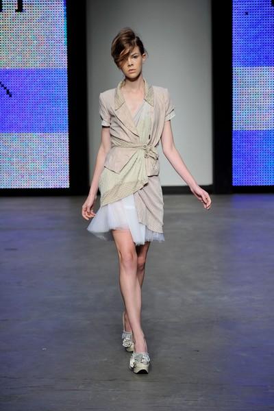 Колекція від Annah Stretton на австралійському Тижні моди весна-літо 2010/11. Фото: Stefan Gosatti/getty Images