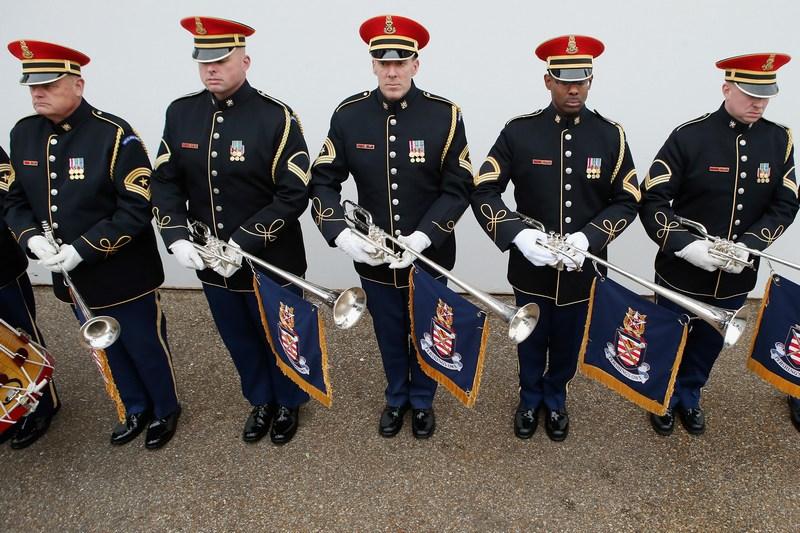 Вашингтон, США, 13січня. Духовий оркестр армії США «Pershing's Own» готується до інавгурації Барака Обами. Фото: Chip Somodevilla/Getty Images