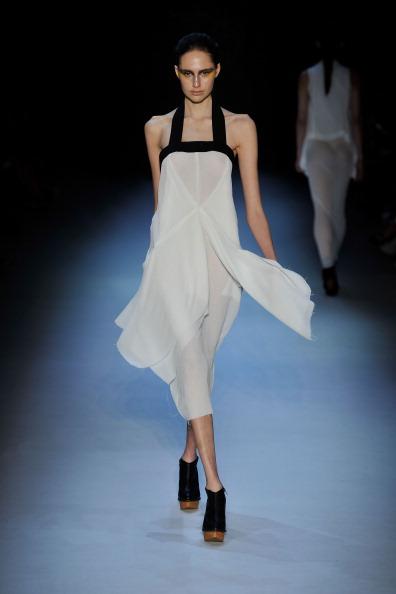 Alistair Trung(Алистером Чунг) представила свою коллекцию на Австралийской неделе моды. Фото: Stefan Gosatti/Getty Images