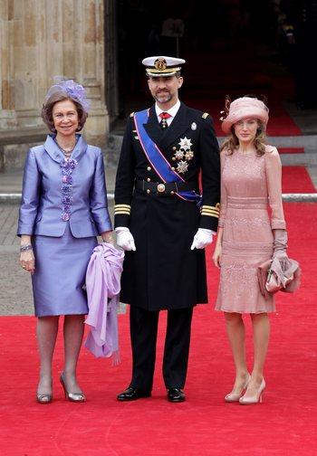 Королева Испании София, принц Фелипе Астурийский и принцесса Летиция Астурийская. Фото: Chris Jackson/Getty Images