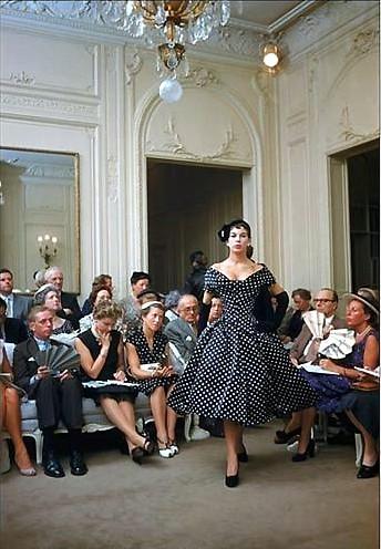 Париж, ретро-мода 50-х. Фото с secretchina.com