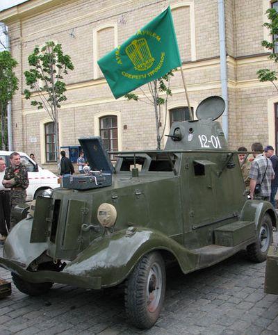 Жемчужина коллекции - единственный в мире бронеавтомобиль БА-20. Год выпуска - 1936. Фото: Юлия Ламаалем/The Epoch Times