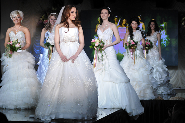 Участницы конкурса Невеста года в Украине-2010. Фото: Владимир Бородин/The Epoch Times Украина