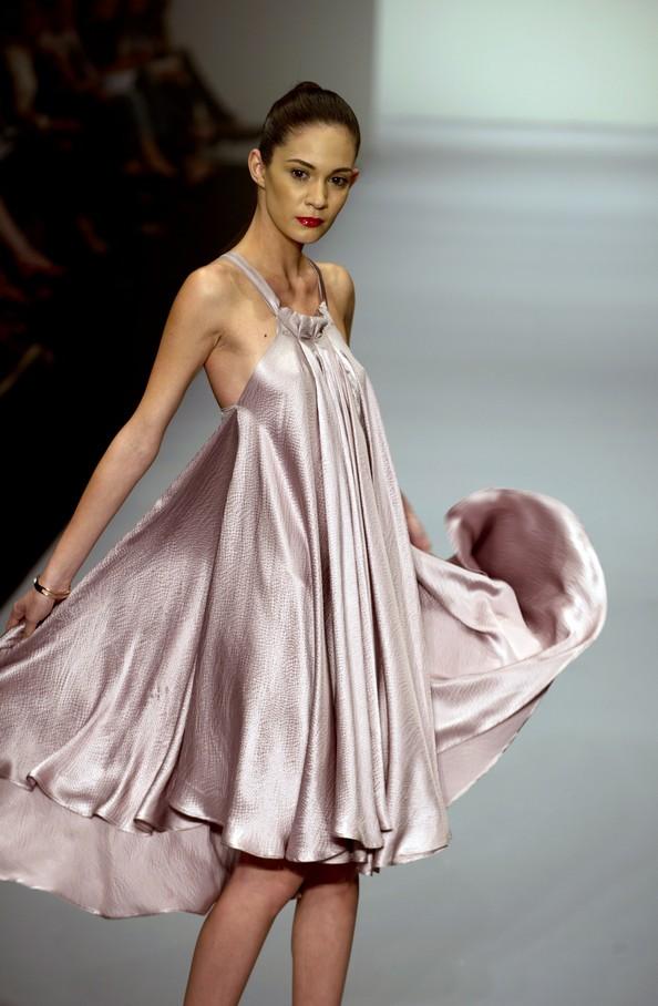 Модные тенденции осень-зима 2013/14 на Мексиканской неделе моды. Фото: YURI CORTEZ/AFP/Getty Images