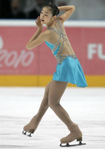 Ю-На Ким (Южная Корея) исполняет короткую программу. Фото: YURI KADOBNOV/AFP/Getty Images