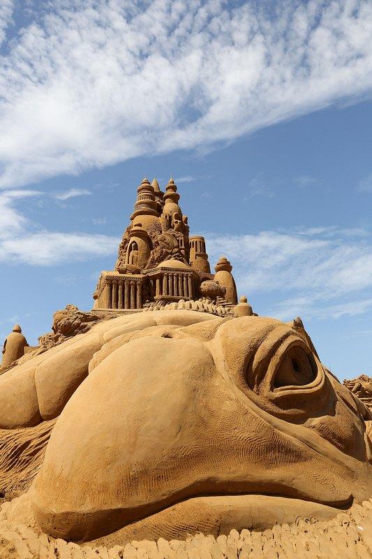 Фрагмент піщаної скульптури «Атлантида». Автори Сандіс Кондіс (Sandis Kondis) і Сью МакГро (Sue McGrew). Франкстон, Австралія. Фото: Graham Denholm/Getty Images