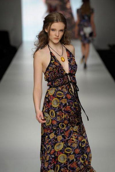 Коллекция одежды сезона весна-лето 2008/2009 от дизайнера Pizzuto.фото: Gosatti/Getty Images