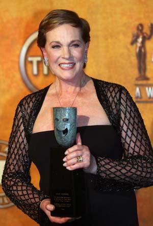 Премию за выдающиеся достижения в области актерского искусства в этом году получила актриса Джули Эндрюс (Julie Andrews). Фото: GABRIEL BOUYS/AFP/Getty Images