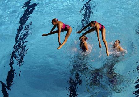 Канадська команда під час технічної програми в синхронному плаванні. Фото: Robert Cianflone/Getty Images