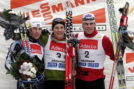 Норвежець Берре Несс (Boerre Naess) (у центрі), швед Матса Ларссона (Mats Larsson) (зліва) і норвежець Тронда Іверсена (Trond Iversen). Фото: DANIEL SANNUM-LAUTEN/AFP/Getty Images