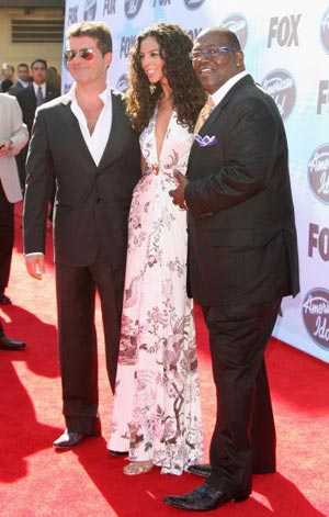 Американские судьи Simon Cowell и Randy Jackson приехали на конкурс Кумиров. Фото: Frederick M. Brown/Getty Images