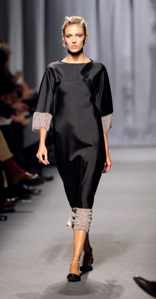 Показ коллекции Karl Lagerfeld на Неделе моды 2011 в Париже. Фото BERTRAND GUAY/AFP/Getty Images