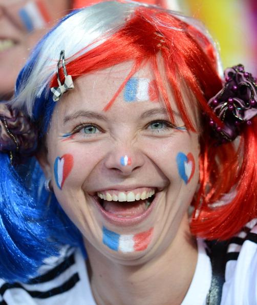 Французька вболівальниця на матчі Швеції проти Франції 19червня 2012року у Києві. Фото: FRANCK FIFE/AFP/Getty Images