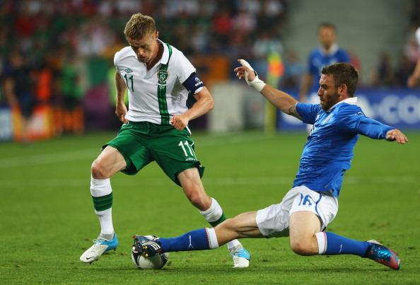 Дамьен Дафф (Ірландія) і Даніеле Де Россі (Італія), 18 червня, Польща. Фото: Christof Koepsel/Getty Images
