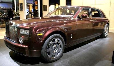 Новий Роллс-Ройс (Rolls-Royce Extended Wheelbase Phantom). Фото: Bill Pugliano/Getty Images