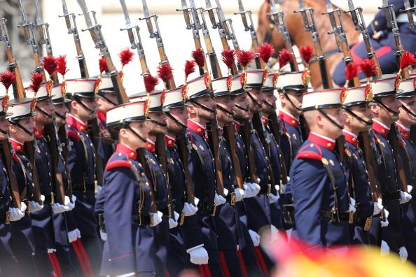 Святковий парад із нагоди сходження на престол короля Іспанії Феліпе VI. Фото: Christopher Furlong/Getty Images