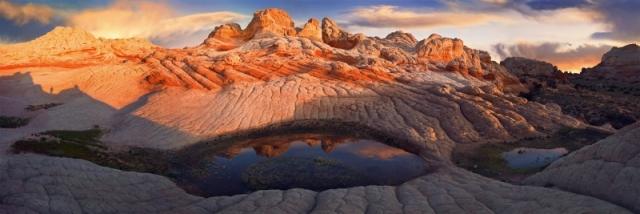Скельне утворення «Біла кишеня» в каньйоні Парія, заповідник «Скелі Верміліон». Зображення є композицією з 6 фото. Штат Аризона. Фото: Bob Kim/outdoorphotographer.com