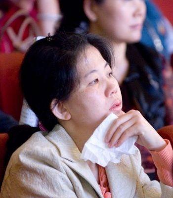 9 марта нью-йоркская труппа «Шень Юнь» выступила с концертом в г.Тайчжун (Тайвань). Зал, в котором проходил концерт, был до отказа заполнен зрителями. Фото: Ли Цзясян/The Epoch Times
