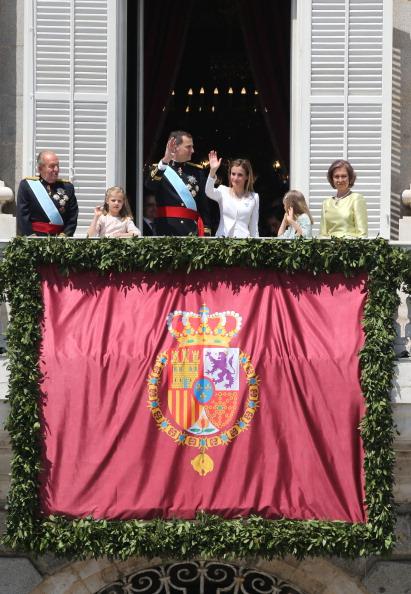Король Іспанії Феліпе VI та його дружина королева Летиція. Фото: Christopher Furlong/Getty Images