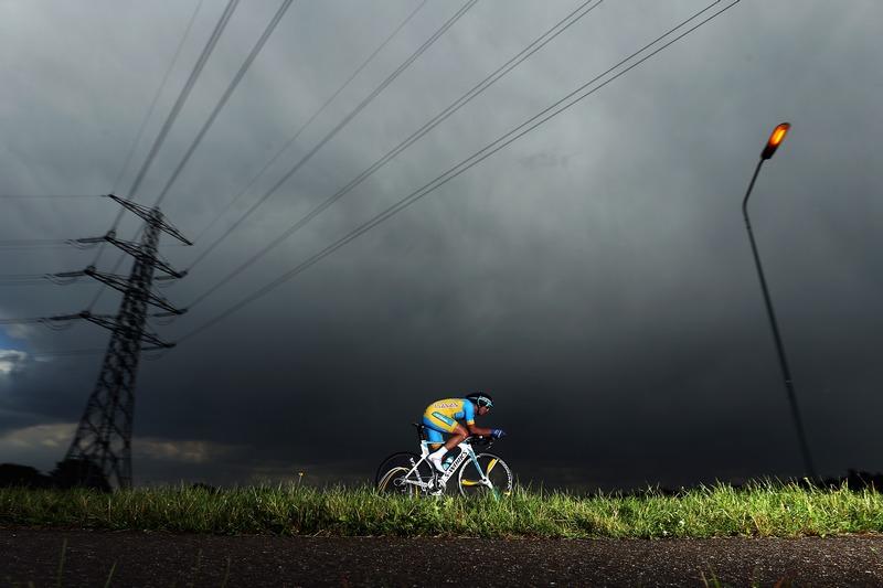 Валкенбург, Нидерланды, 19 сентября. Украинский велогонщик Андрей Гривко едет по трассе на чемпионате мира по шоссейным велогонкам. Фото: Bryn Lennon/Getty Images