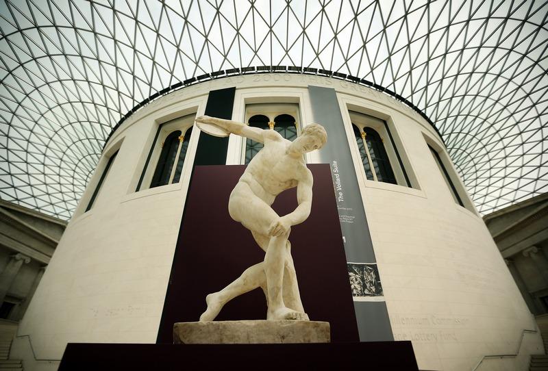 Лондон, Англія, 1червня. У Британському музеї в рамках підготовки до майбутньої олімпіади виставлені скульптури на тему олімпійських ігор в стародавній Греції та Римі. Фото: Peter Macdiarmid/Getty Images