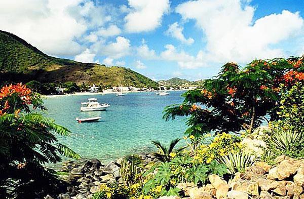 Пляж Махо на самом маленьком Карибском острове Сен-Мартен. Фото: quinta.ru