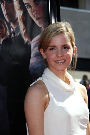 Актриса Эмма Уотсон (Emma Watson) посетила премьеру фильма  «Гарри Поттер и Орден Феникса», которая состоялась в Голливуде 8 июля. Фото: Alberto E. Rodriguez/Getty Images