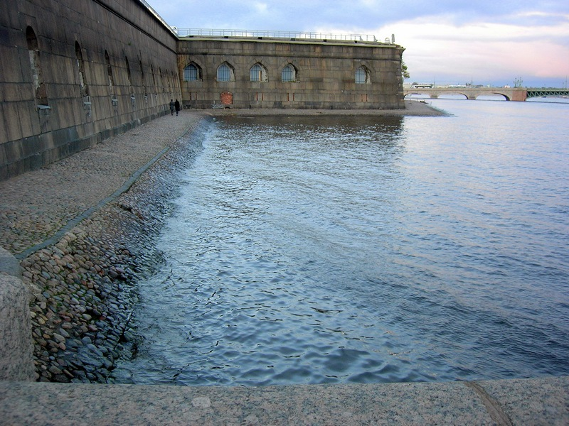 Петропавловская крепость в Петербурге