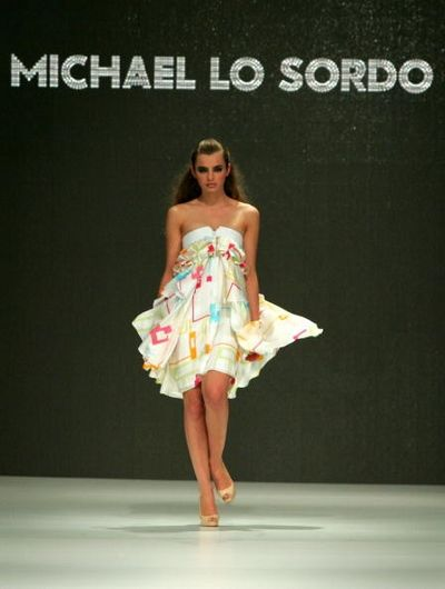 Коллекция одежды сезона весна-лето 2008/2009 от дизайнера Michael. Фото: Stefan Gosatti/Getty Images