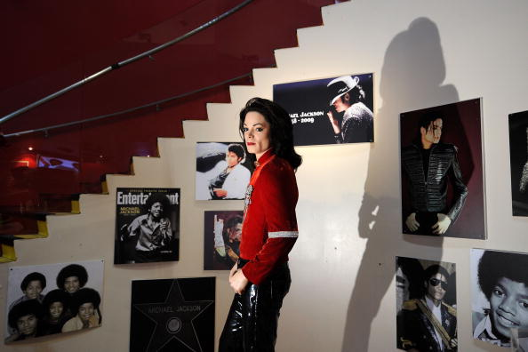 Восковая фигура Майкла Джексона пополнила коллекцию мадам Тюссо. Фото: Bryan Bedder/Getty Images