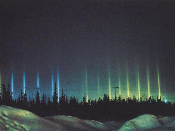 Світлові стовпи. Аляска, м. Фербанкс. Фото: podcollective.com