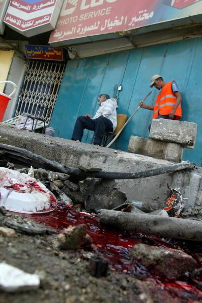 Террорист-смертник взорвал начиненный взрывчаткой автомобиль.Фото:ALI YUSSEF/AFP/Getty Images