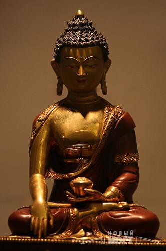 Статуя Будды Шакьямуни. Фото: ИА НОВЫЙ МОСТ