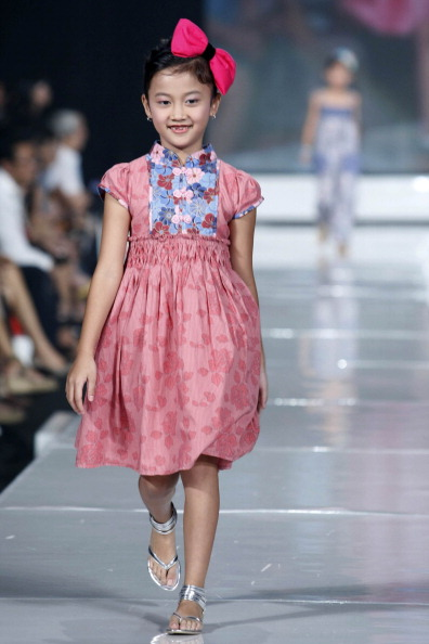 Детская коллекция от Sebastian Gunawan в Джакарте. Фото Фото: Ulet Ifansasti/Getty Images for Jakarta Fashion Week