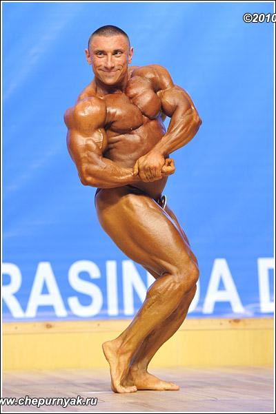 Культуризм без стероидов — трудновыполнимая, но реальная задача. Андрей Шарапов. Фото: iron-club.ru
