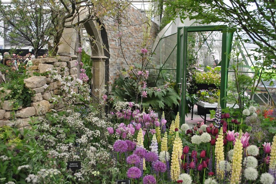«Тайный сад прошлого и настоящего» от зоологического парка в Пейнтоне (Англия) на выставке цветов в Челси. Фото: rhschelsea/facebook.com