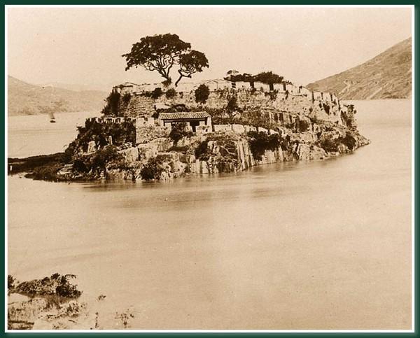 Укрепление в районе, где река Миньцзян впадает в море. Город Фучжоу. 1860 год. Фото: Теодор Джонс