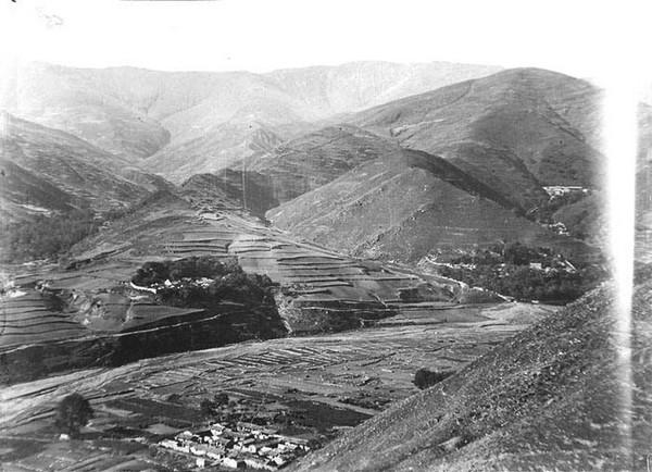 Гірське село. Китай часів династії Цін. Фото: William Purdom