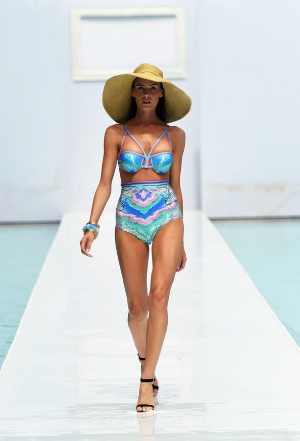 Новинки пляжної моди на Mercedes-Benz Fashion Week Swim 2014. Фото: Mike Coppola/Getty Images