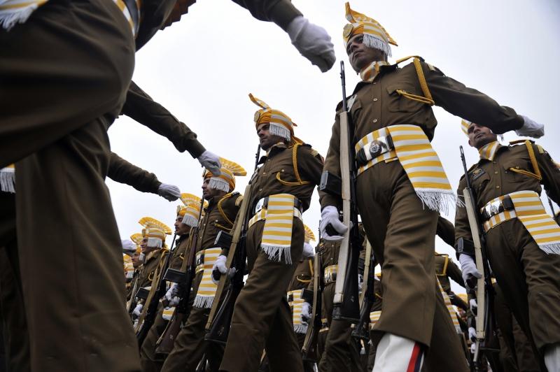Поліція штату Джамму і Кашмір марширує на стадіоні Бакши в Шрінагарі. Фото: TAUSEEF MUSTAFA/AFP/Getty Images