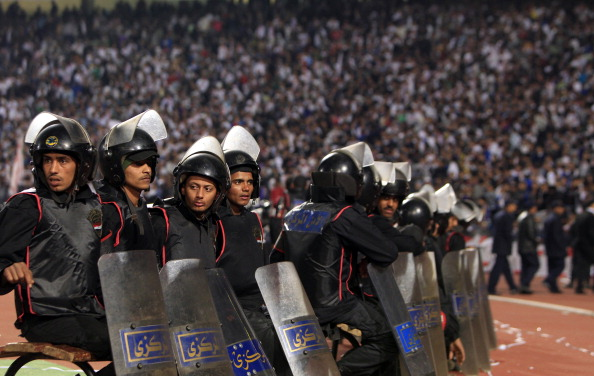 У Єгипті оголосили триденний траур по 74 загиблих на футбольному матчі. Фото: MAHMUD HAMS/AFP/Getty Images