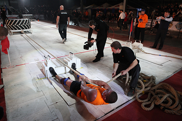 Всесвітній фестиваль богатирської сили у неділю 19 грудня 2010 року в Києві. Фото: Володимир Бородін / The Epoch Times Україна