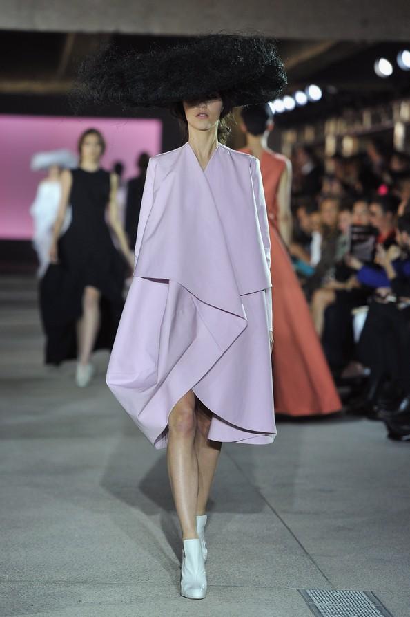 Білл Гейттен для будинку моди John Galliano на Паризькому тижні моди. Фото: Pascal Le Segretain/Getty Images